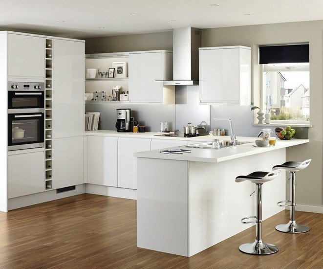 howdens joinery kitchens clerkenwell gloss white we fit howdens kitchens 932