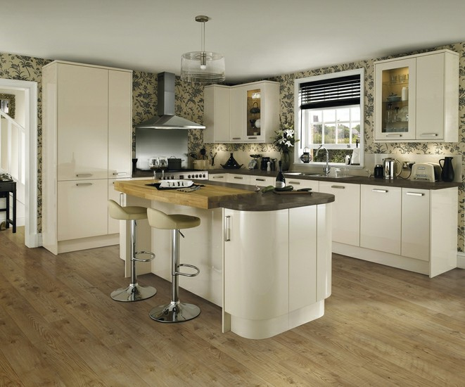 howdens joinery kitchens glendevon ivory we fit howdens kitchens 932